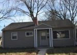 Foreclosed Home en W GRANTOSA DR, Milwaukee, WI - 53218