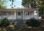 Foreclosed Home en MILLS AVE, Milford, CT - 06460