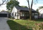 Foreclosed Home en S 88TH ST, Milwaukee, WI - 53228