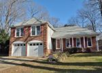 Foreclosed Home en MACSWAIN PL, Springfield, VA - 22153