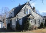 Foreclosed Home en WHITE AVE, Middlebury, CT - 06762