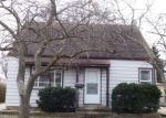 Foreclosed Home en E ALLERTON AVE, Milwaukee, WI - 53235