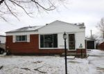 Foreclosed Home en RUSTIC LN, Westland, MI - 48186