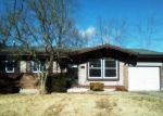Foreclosed Home en RIGSBY DR, Saint Louis, MO - 63136