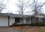 Foreclosed Home en BELFAST DR, Florissant, MO - 63033