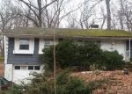 Foreclosed Home en COUNTRY CLUB RD, Cheshire, CT - 06410