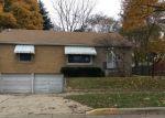 Foreclosed Home en S CHAPEL ST, Waukegan, IL - 60085