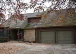 Foreclosed Home en NE BEECHWOOD DR, Lees Summit, MO - 64064