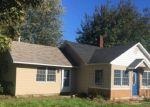 Foreclosed Home en PETERSBURG RD, Petersburg, MI - 49270