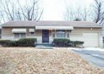 Foreclosed Home en COLLEGE AVE, Kansas City, MO - 64130