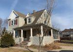 Foreclosed Home en DARTMOUTH PL, Newington, CT - 06111