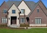 Foreclosed Home en STRATHCONA DR, Rochester, MI - 48309