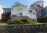 Foreclosed Home en OAK ST, Waterbury, CT - 06704