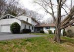 Foreclosed Home en WILBUR LN, East Lyme, CT - 06333