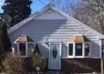 Foreclosed Home en WILLIAM FLOYD PKWY, Shirley, NY - 11967
