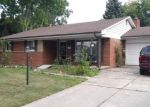 Foreclosed Home en KING DR, Clinton Township, MI - 48035