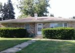 Foreclosed Home en W GROVE AVE, Waukegan, IL - 60085
