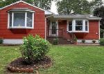 Foreclosed Home en BROADMERE RD, Stratford, CT - 06614