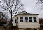 Foreclosed Home en FRANCISCO AVE, Central Islip, NY - 11722