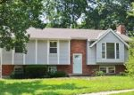 Foreclosed Home en S SPEAS DR, Blue Springs, MO - 64014