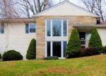 Foreclosed Home en PARK AVE, Huntington, NY - 11743