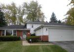 Foreclosed Home en OAKWOOD DR, Hazel Crest, IL - 60429