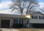 Foreclosed Home en MANHATTAN DR, Racine, WI - 53402