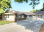 Foreclosed Home en GLENBROOK ST, Riverside, CA - 92503