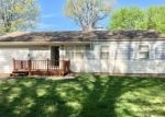 Foreclosed Home en S CRESCENT AVE, Independence, MO - 64052