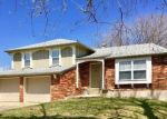 Foreclosed Home en NW AMESBURY PL, Blue Springs, MO - 64015