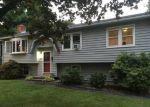 Foreclosed Home en AUTUMN RIDGE RD, Milford, CT - 06461