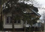 Foreclosed Home en W PIERCE ST, Milwaukee, WI - 53215