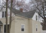 Foreclosed Home en S HAMLIN ST, Shawano, WI - 54166