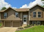 Foreclosed Home en E 15TH ST, Kearney, MO - 64060