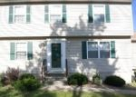 Foreclosed Home en SPRING LAKE RD, Waterbury, CT - 06706