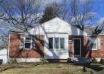 Foreclosed Home en PARKWOOD DR, Saint Louis, MO - 63116