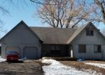 Foreclosed Home en HILLDALE DR, Shakopee, MN - 55379