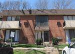 Foreclosed Home en E GLENOLDEN AVE, Glenolden, PA - 19036