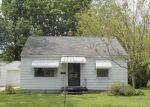 Foreclosed Home en HUNTER BLVD, Lansing, MI - 48910