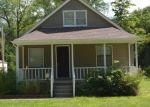 Foreclosed Home en S VERMONT AVE, Independence, MO - 64052