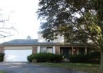 Foreclosed Home en RAINBOW DR, Southfield, MI - 48076