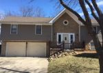 Foreclosed Home en NE BRISTOL DR, Lees Summit, MO - 64086