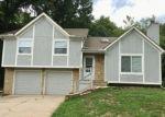 Foreclosed Home en SAINT ANDREWS DR, Grandview, MO - 64030
