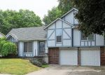 Foreclosed Home en S KENDALL DR, Independence, MO - 64055