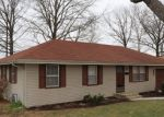 Foreclosed Home in QUEEN RIDGE DR, Independence, MO - 64055