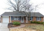 Foreclosed Home en E 42ND PL, Independence, MO - 64055
