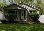 Foreclosed Home en MAPLECREST DR, Waterford, MI - 48327