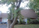 Foreclosed Home en RETURN LN, Levittown, PA - 19055