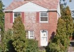 Foreclosed Home en CLARE AVE, Maple Heights, OH - 44137