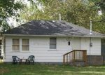 Foreclosed Home en N ROOSEVELT AVE, Springfield, MO - 65803
